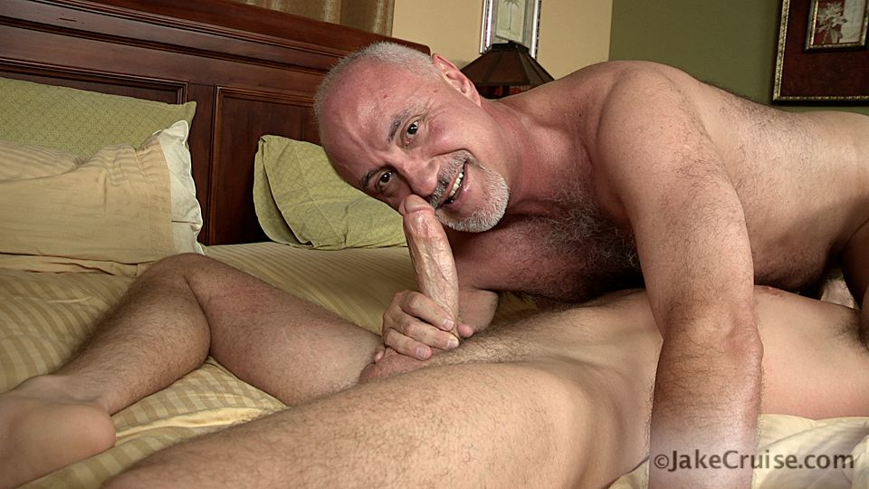 Jake-Cruise-Lucas-Knight-Hairy-Daddy-Sucks-A-Big-Boy-Cock-Amateur-Gay-Porn-11 Jake Cruise: Daddy Sucks A Huge Younger Cock Until It Shoots