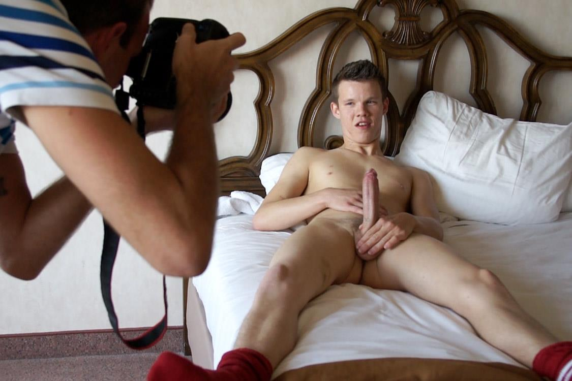 Bentley-Race-Kevin-Kobe-Big-Cock-Las-Vegas-Boy-Jerking-Off-Amateur-Gay-Porn-19 Vegas Rent Boy Cums Like A Volcano In Vegas Strip Hotel