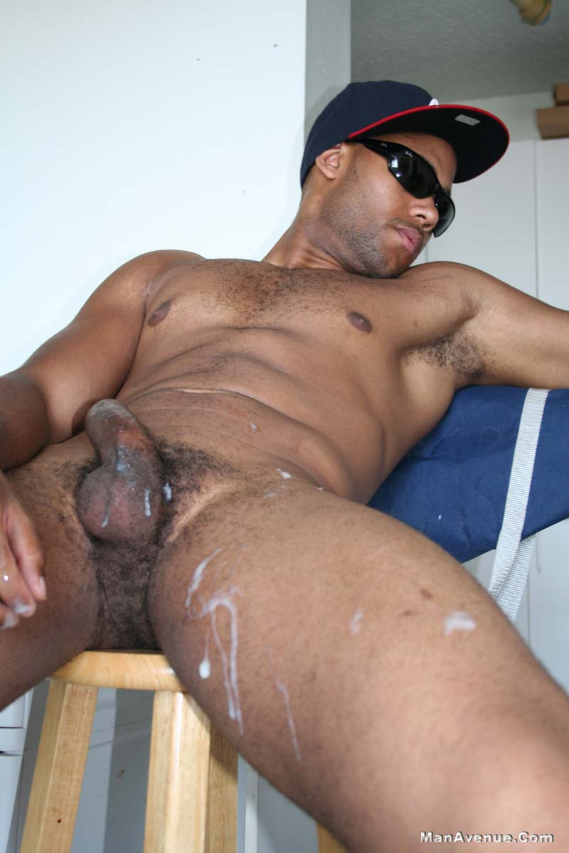 Muscular Black Stud Wanks Off And Cums