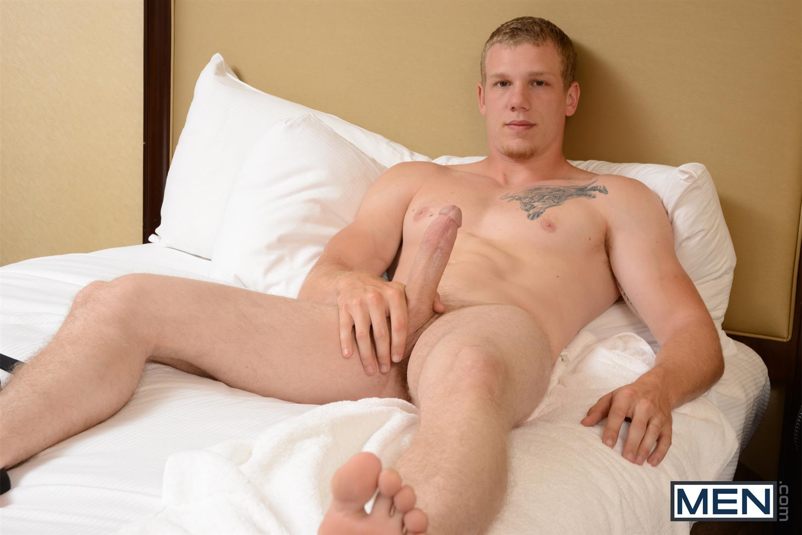 Men-Str8-to-Gay-Johnny-Forza-and-Mike-Edge-Fucking-Big-Cocks-Amateur-Gay-Porn-07 Johnny Forza Gives Mike Edge A Hotel Hookup Hard Fucking