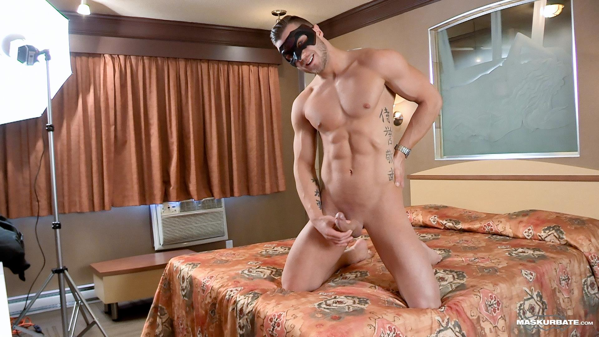 Maskurbate-Mike-Muscle-Hunk-With-A-Big-Uncut-Cock-Jerking-Off-Amateur-Gay-Porn-10 Bi-Curious Muscle Hunk With A Big Uncut Cock Auditions For Gay Porn