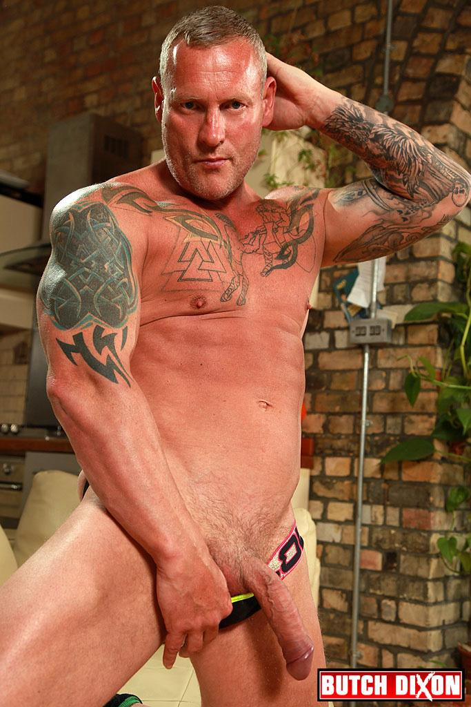 Butch-Dixon-Big-T-British-Muscle-Daddy-With-A-Big-Uncut-Cock-Amateur-Gay-Porn-10 British Muscle Daddy Jerking Off His Big 9