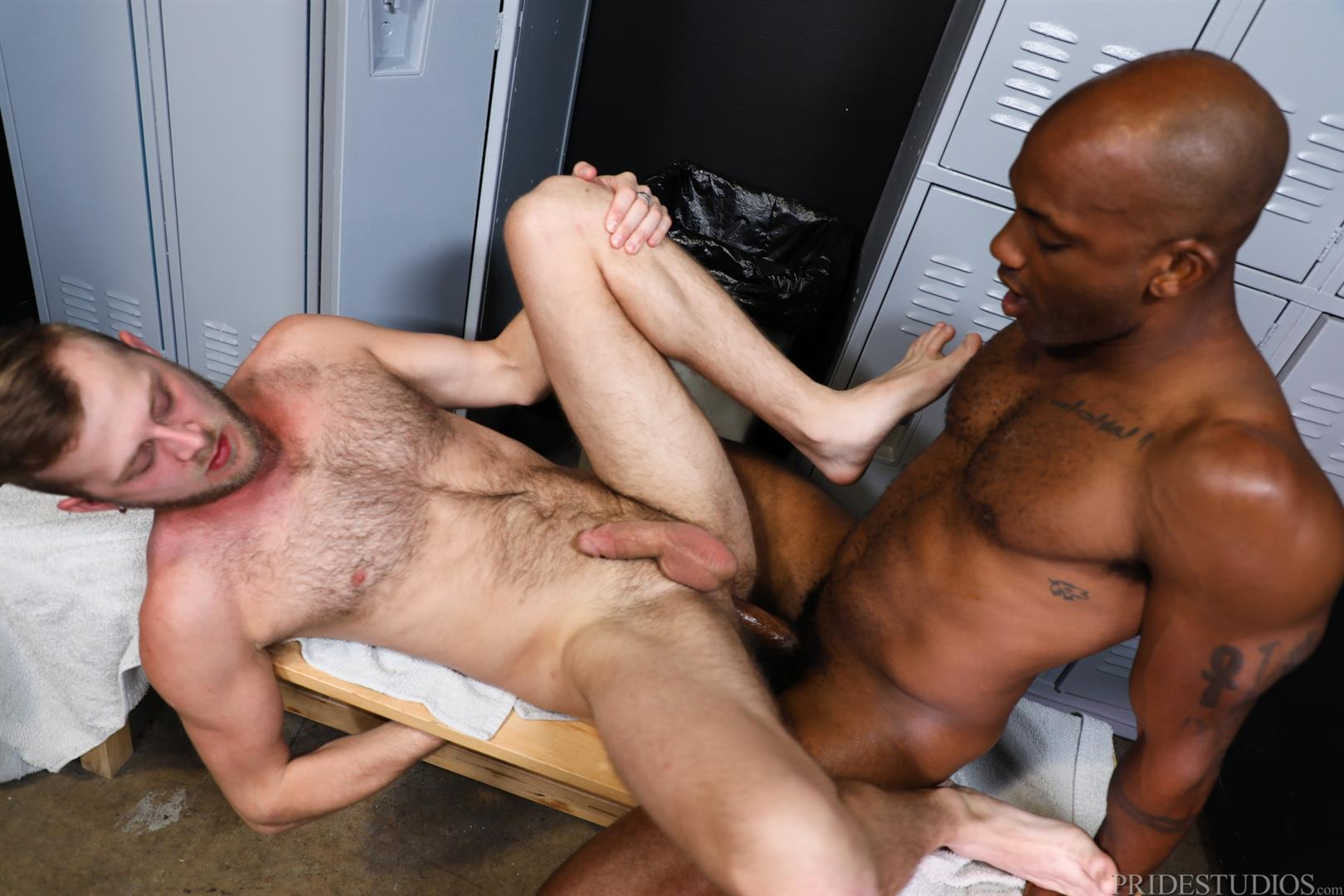 Extra-Big-Dicks-Osiris-Blade-and-Chandler-Scott-Interracial-Bareback-Fucking-14 Osiris Blade Bareback Fucking Chandler Scott With His Big Black Dick